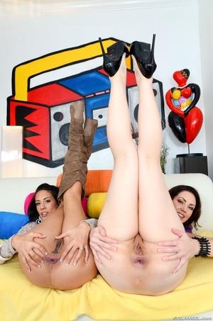 Brown haired girlfriends flaunt their ti - XXX Dessert - Picture 13