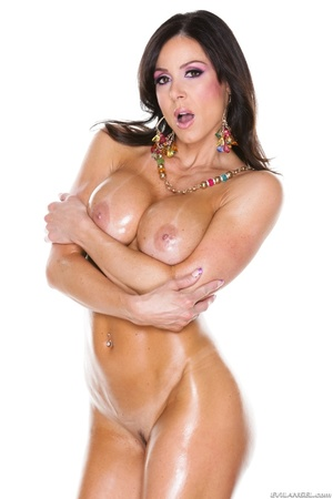 Oiled up MILF in pink showing her natura - XXX Dessert - Picture 8