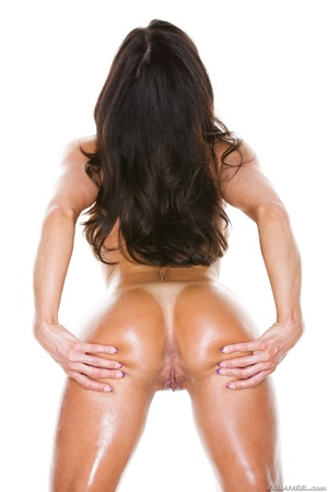 Oiled up MILF in pink showing her natura - XXX Dessert - Picture 15