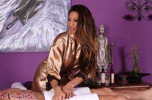 Appealing brunette wearing golden silk r - XXX Dessert - Picture 2