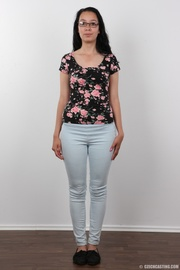 curvy brunette floral top