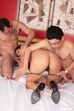 Nerd looking guy shows his other side an - XXX Dessert - Picture 4
