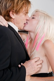this raunchy blonde with
