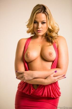 Curvy blondie posing in coral dress and  - XXX Dessert - Picture 3