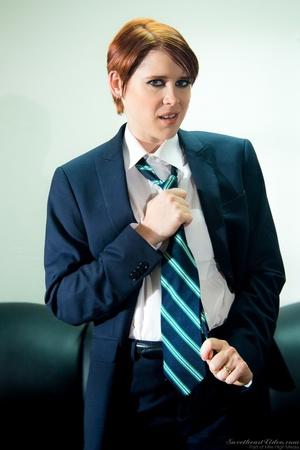 Short-hared redhead posing in men's suit - XXX Dessert - Picture 1