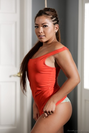 Curvy ebony babe takes off her red dress - XXX Dessert - Picture 3