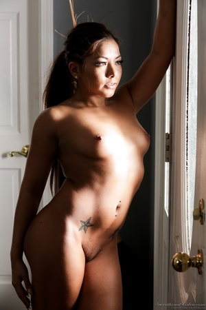 Curvy ebony babe takes off her red dress - XXX Dessert - Picture 13
