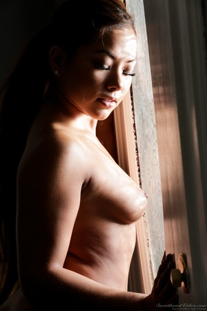 Curvy ebony babe takes off her red dress - XXX Dessert - Picture 14