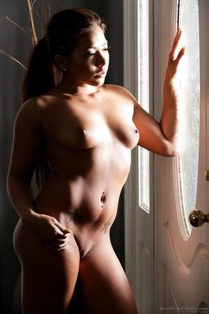 Curvy ebony babe takes off her red dress - XXX Dessert - Picture 15