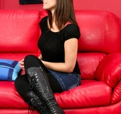 Brunette tells friend to lose black shirt and jeans and get to the red