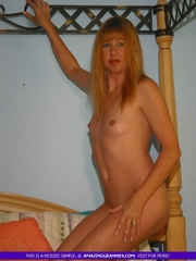 naked milf shows her