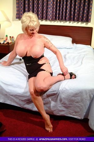 Hot granny teases with her fat body then - XXX Dessert - Picture 1