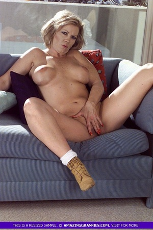 Hots Naked Women Wearing Only Boots HD