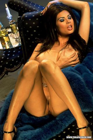 beautiful brunette blue naked