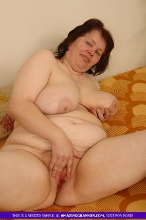 Naked girl sweem in sweemingpul