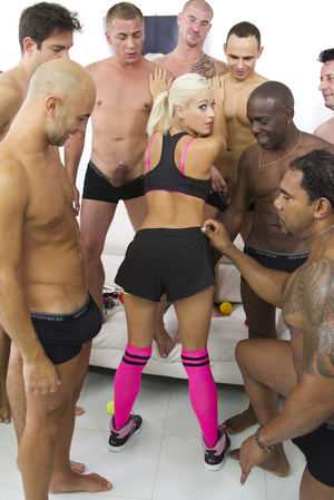 Blonde football fan satisfies the whole  - XXX Dessert - Picture 7