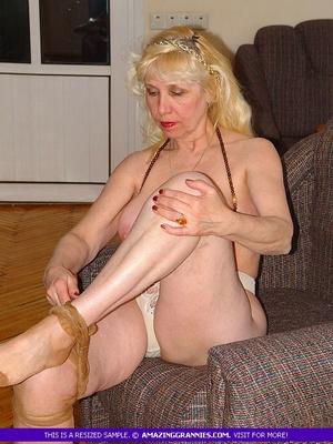 Granny strip xxx