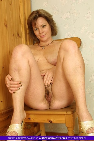 Luscious granny sits naked and displays  - XXX Dessert - Picture 8