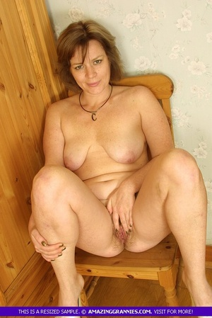 Luscious granny sits naked and displays  - XXX Dessert - Picture 9