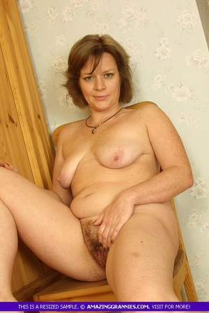 Luscious granny sits naked and displays  - XXX Dessert - Picture 12