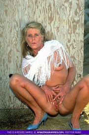 hot granny shows her