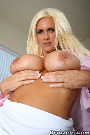 Seductive blonde wearing pink blouse, wh - XXX Dessert - Picture 4