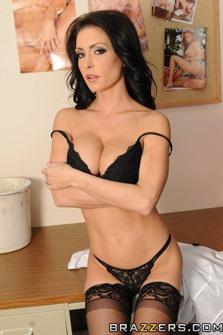 Porn icon jessica jaymes drips her pussy wet in anticipation 9