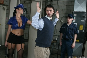 Latex-clad airport security fucked by a  - XXX Dessert - Picture 10