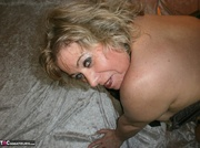 voluptuous blonde milf with