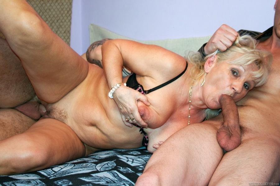 Chienes hot porn star pic