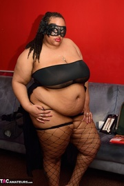 fat evony black fishnets