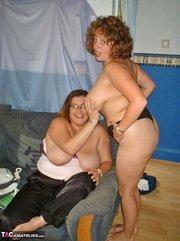 this fat slut sits
