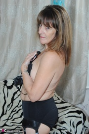 brunette gilf with belly