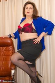bruntte milf secretary blue