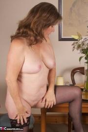 brunette milf pink undies