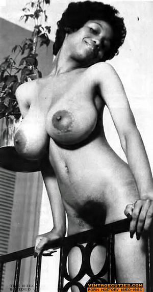 Sexy black bitch in white lingerie flaun - XXX Dessert - Picture 9