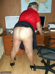 hunky elderly curvy blonde