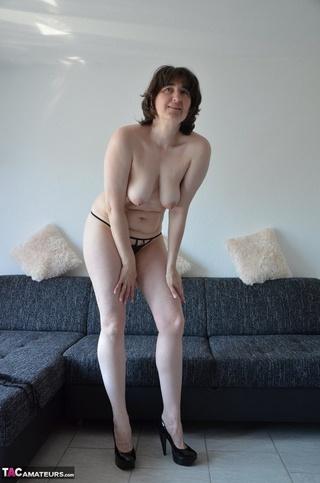 nasty brunette milf sexy