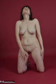 naked brunette milf pleasures