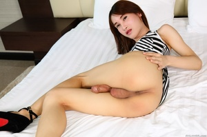 Slender chick takes off her dress and ge - XXX Dessert - Picture 13