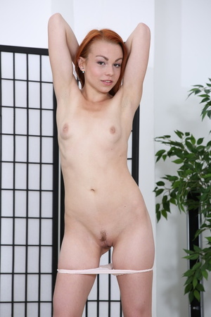 Lesbians tong in pussy