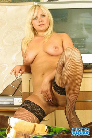 Steaming hot blonde displays her indulgi - XXX Dessert - Picture 12