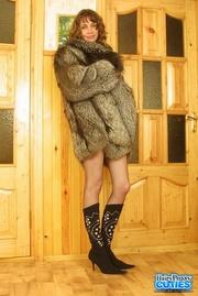 lovely brunette brown fur