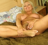 Hot tits nude blonde with sexy body spreads hairy pink pussy open with