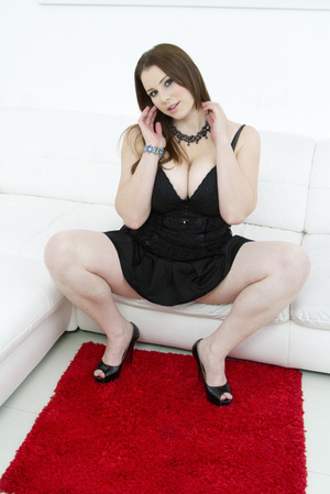 Admirable brunette wearing black mesh an - XXX Dessert - Picture 4
