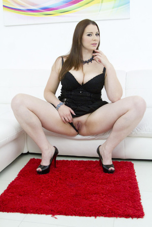Admirable brunette wearing black mesh an - XXX Dessert - Picture 5