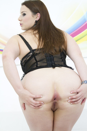 Admirable brunette wearing black mesh an - XXX Dessert - Picture 9