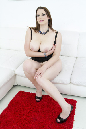 Admirable brunette wearing black mesh an - XXX Dessert - Picture 10