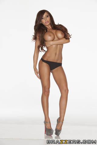 insanely hot models poses