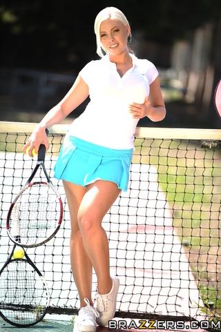 hot blonde tennis player